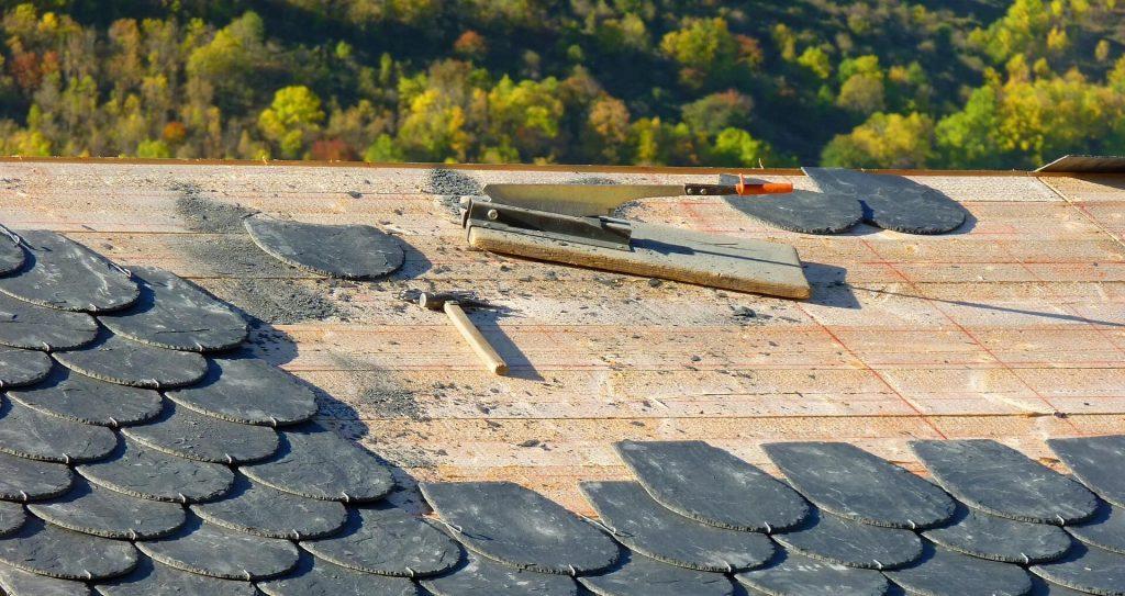 professionele dakdekker inschakelen